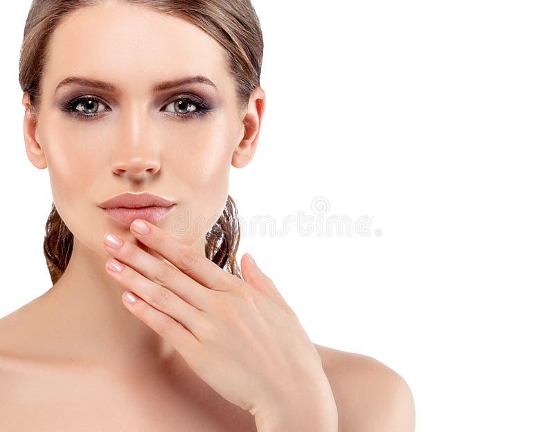 Schönheits-Brunette rotes Lippenlanges Haar-gesunde Schönheits-Haut stockbilder