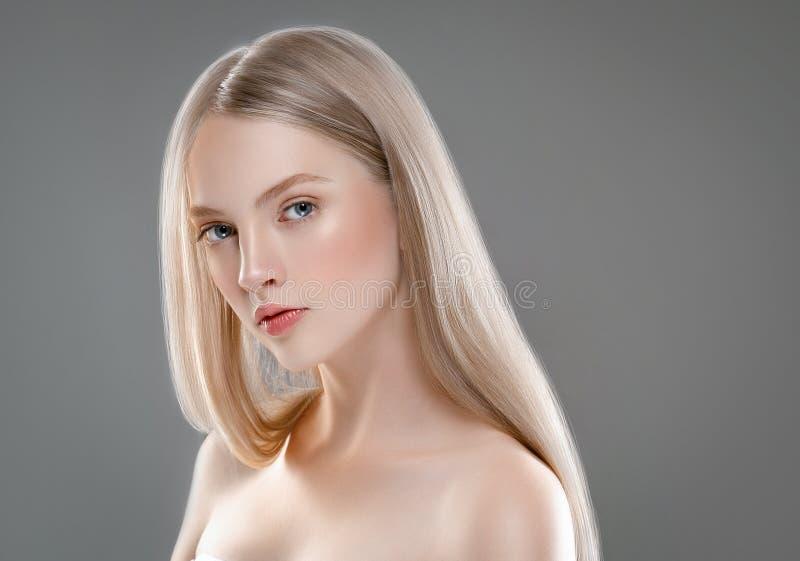 Schönheits-Gesichts-Porträt-Schönheits-Hautpflege-Konzept mit lang stockfotografie