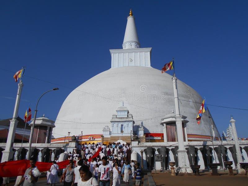 Schönheits-Natur-Buddha-anuradhapura ruwanweli Maha-seya lizenzfreie stockbilder