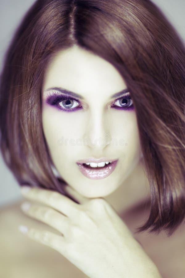 Schönheitsatelieraufnahme lizenzfreie stockbilder