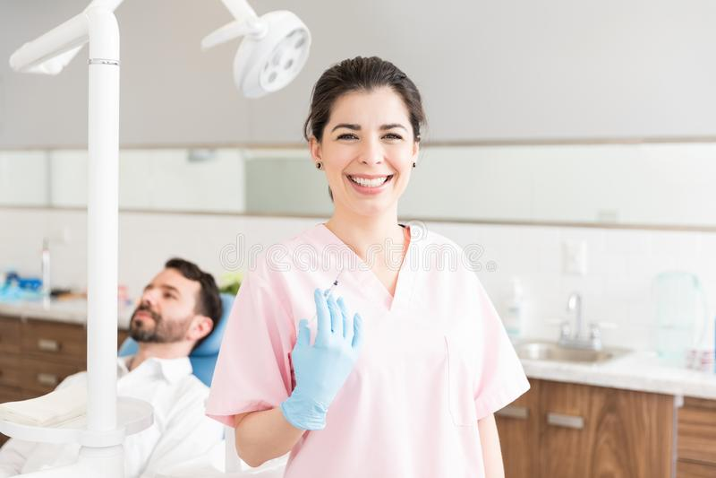 Schönheitschirurg In Clinic lizenzfreie stockfotos