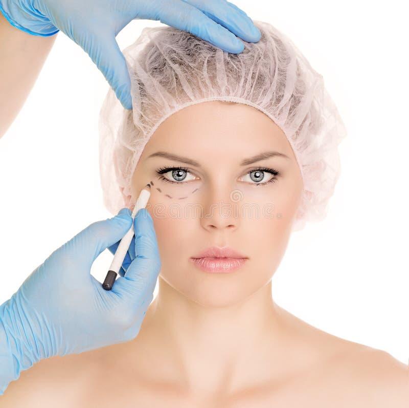 Schönheitschirurgiefrau lizenzfreies stockfoto