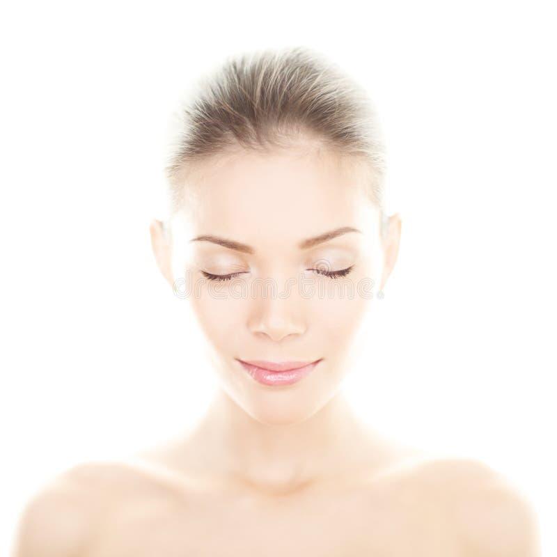 Schönheitsfrau - perfektes Hautpflegeporträt stockfotos