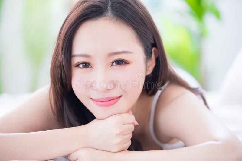 Schönheitshautpflegefrau lizenzfreie stockfotografie