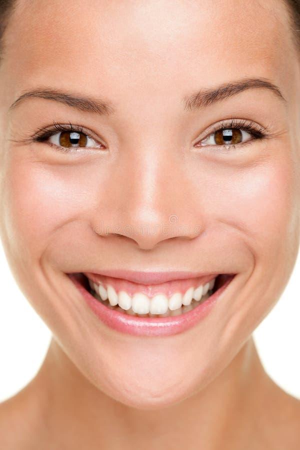 Schönheitshautsorgfalt-Frauennahaufnahme stockbild