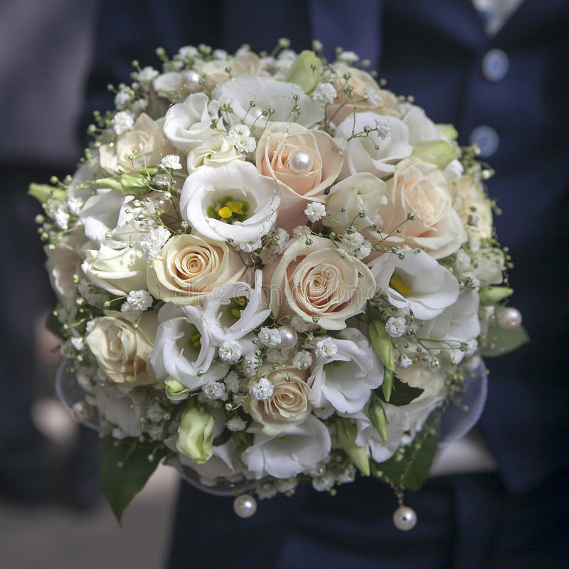 Schönheitshochzeitsblumenstrauß von Rosen lizenzfreies stockfoto