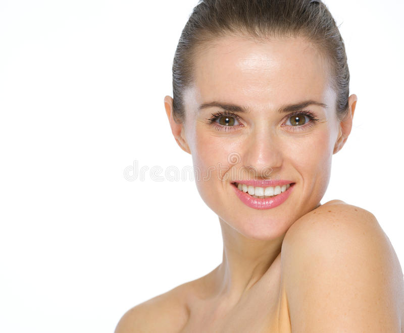 Schönheitsporträt der glücklichen jungen Frau stockbild