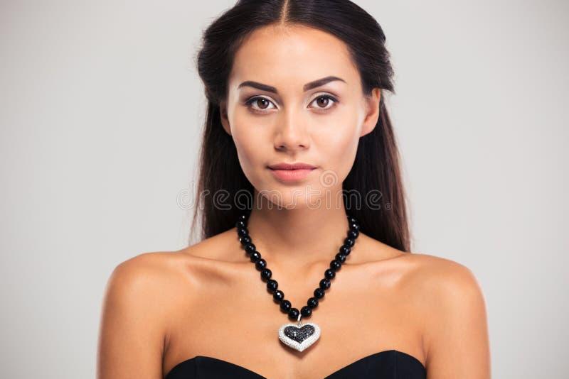 Schönheitsporträt des attraktiven weiblichen Modells lizenzfreies stockbild