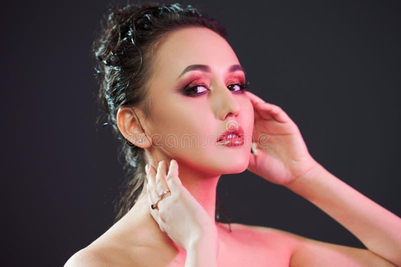 Schönheitsporträt von jungen attraktiven Frauen lizenzfreie stockfotos