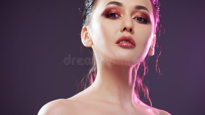 Schönheitsporträt von jungen attraktiven Frauen stockfotografie