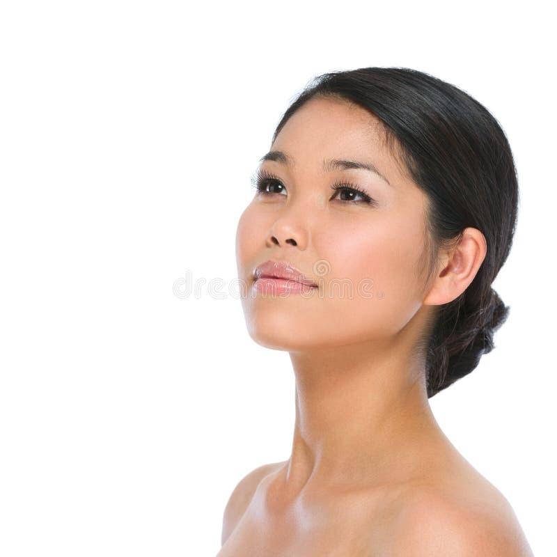 Schönheitsportrait der asiatischen Brunettefrau lizenzfreies stockbild