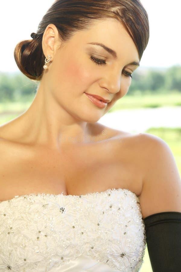 Schüchterne Braut stockfotos