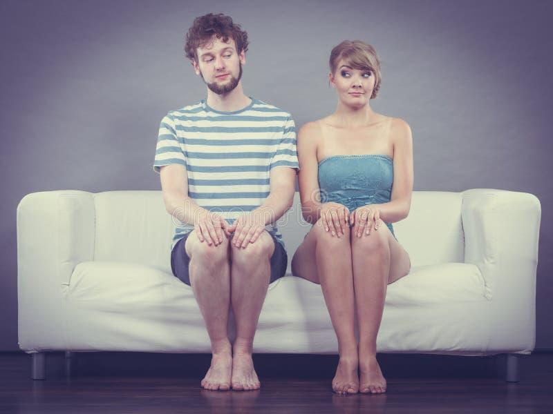 Schüchterne männer flirten Schüchterne Männer! Wie bekomme ich ihn? – Dr. Leonie Thöne