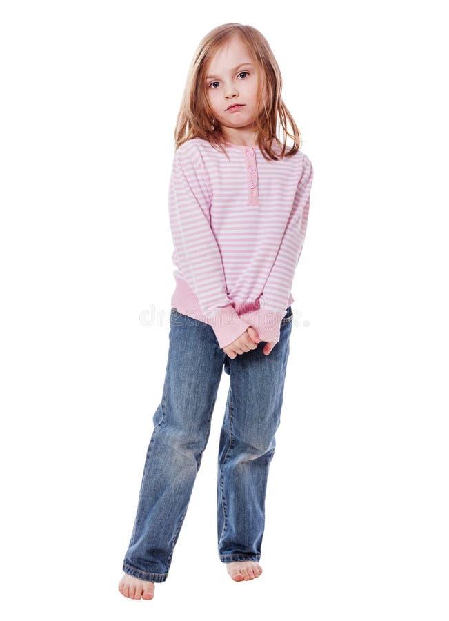 Schüchterne Mädchenstellung lizenzfreie stockfotos