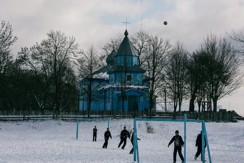 Schülerspielfußball im Winter stockbilder
