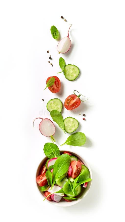 Schüssel Frischgemüse-Salat stockfoto