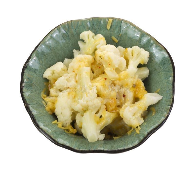 Schüssel gekochter Blumenkohl mit Käse stockbilder