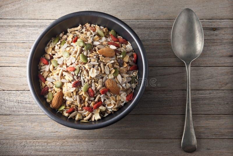 Schüssel-Getreide-Granola Muesli lizenzfreies stockfoto