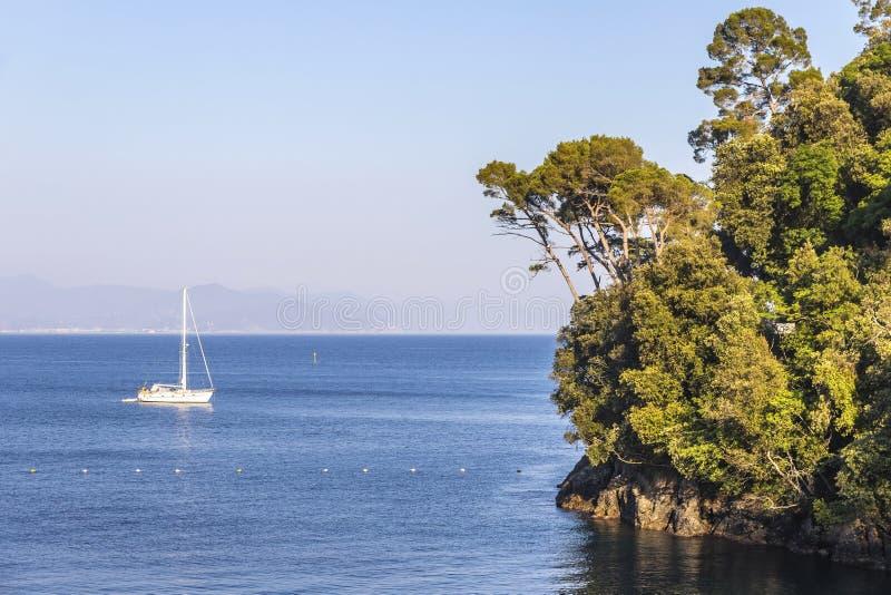 Sch?ne Ansicht der Bucht von Paraggi in Santa Margherita Ligure, Italien lizenzfreie stockfotos