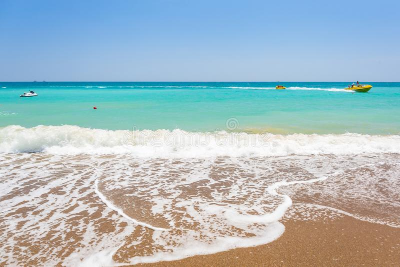 Sch?ne Strandlandschaft auf dem T?rkischen Riviera nahe Seite stockfotografie