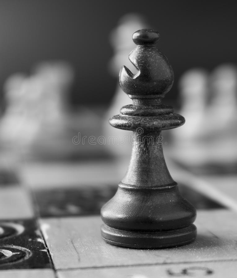 Download Schaak op een schaakbord stock foto. Afbeelding bestaande uit schaak - 107701340