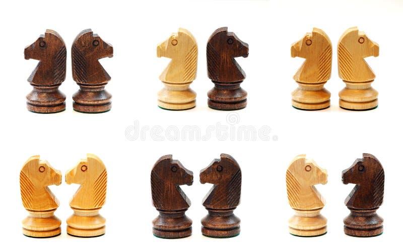 Schaakpaarden in diverse positie royalty-vrije stock fotografie
