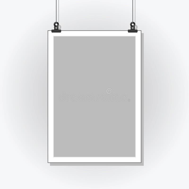 Schablonenplakat Leeres Papier in einem hellen Rahmen, der mit Clipn hängt vektor abbildung