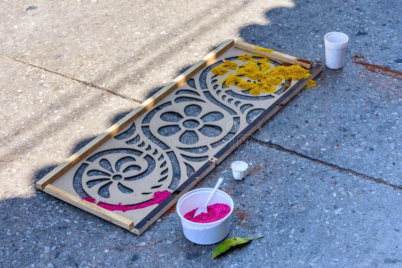 Schablonieren Sie u. gefärbtes Sägemehl, Antigua, Guatemala lizenzfreie stockfotografie