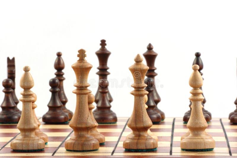 Schach auf Schachbrett lizenzfreies stockfoto