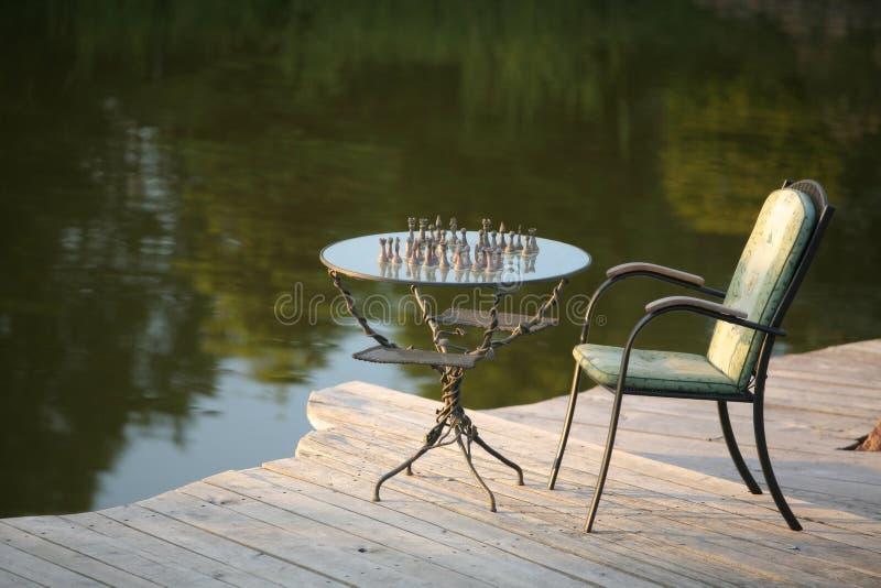 Download Schach im Garten stockfoto. Bild von tolpatsch, spielen - 871046