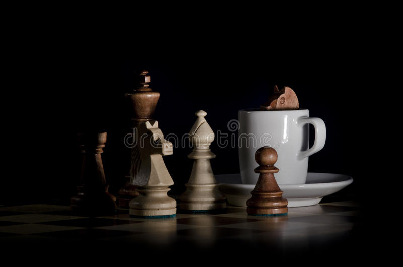 Schach-Kaffee lizenzfreie stockfotografie