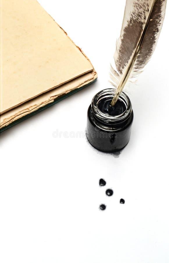 schacht en inktpot stock afbeelding