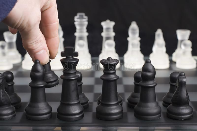 Schacköppningsflyttning arkivfoto