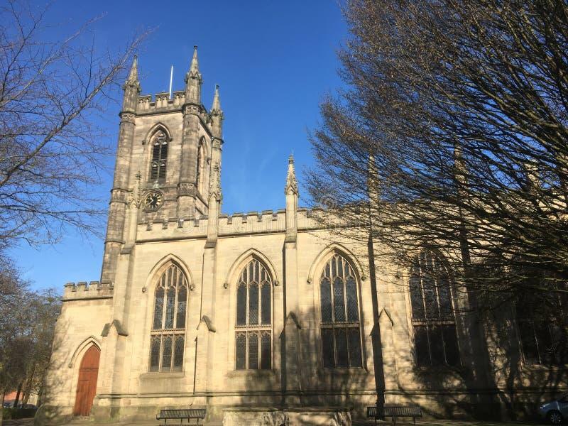 Schaduwen op de kerk royalty-vrije stock fotografie