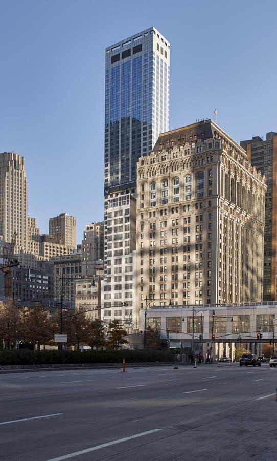 Schaduwen op gebouwen in New York stock foto's