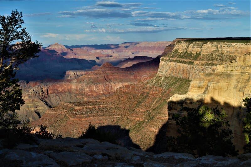 Schaduwen op zandsteen in Grand Canyon royalty-vrije stock afbeelding