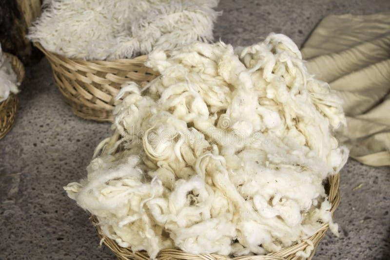 Schafwolle natürlich lizenzfreie stockbilder