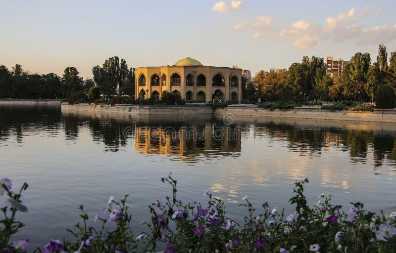 Schah Goli - sommaruppehållet av den Qajar dynastin i El Golu fotografering för bildbyråer
