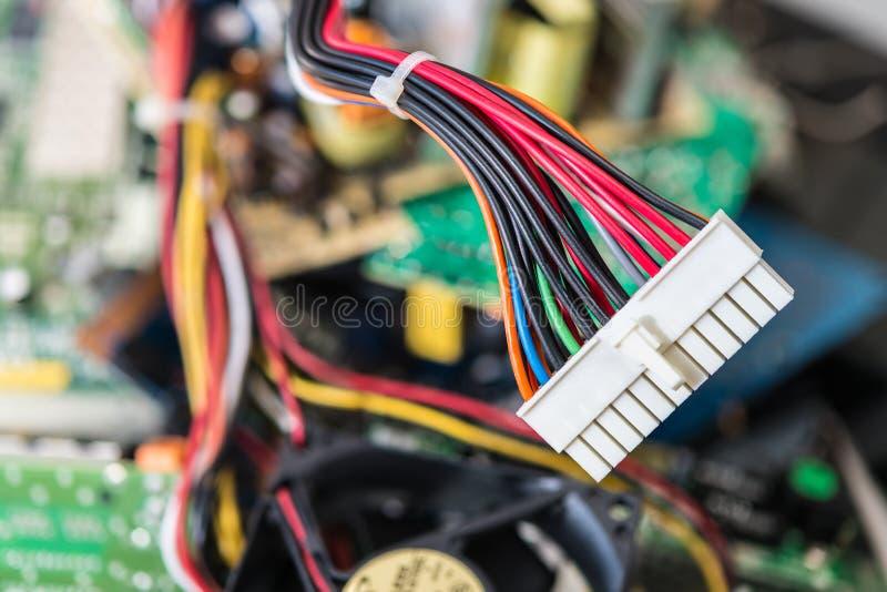 Schakelaar met machtskabels voor computer mainboard royalty-vrije stock fotografie
