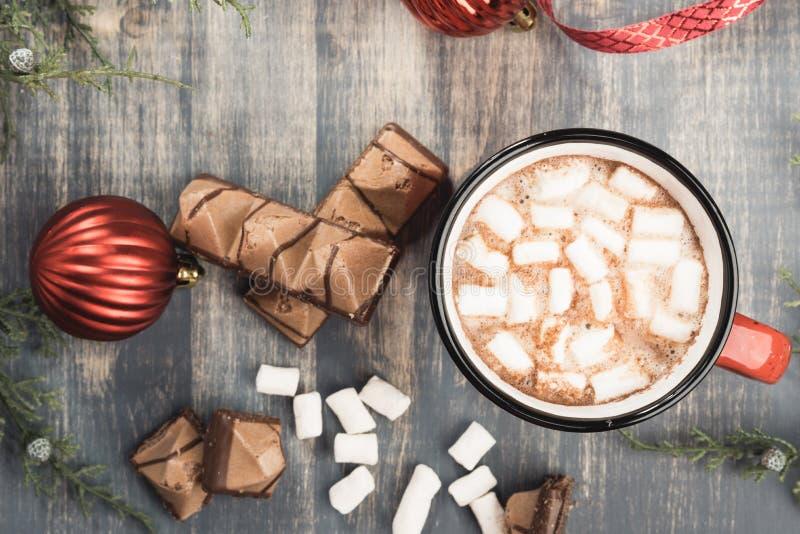 Schale Kakao auf grauem hölzernem Hintergrund lizenzfreies stockfoto