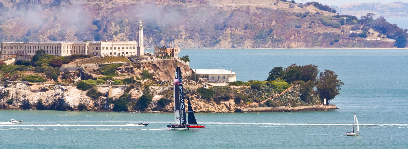 Schale Team Sailing Panoramic Sans Francisco Americas lizenzfreies stockbild