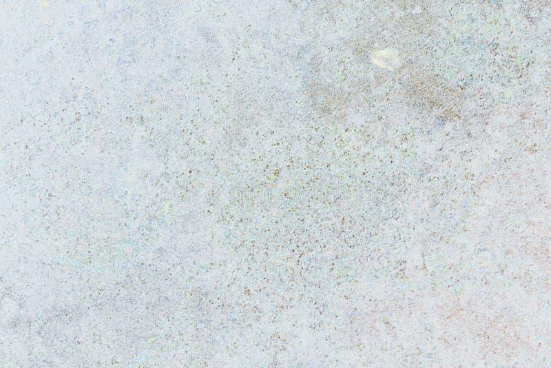 Schalengips auf grauem Hintergrund stockfoto