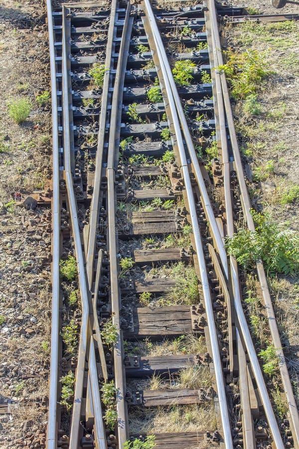 Schalten Sie Bahngleise im Depot lizenzfreie stockbilder