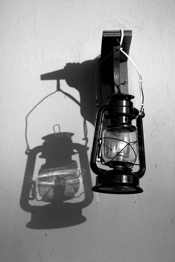 Schatten der Laterne stockbild
