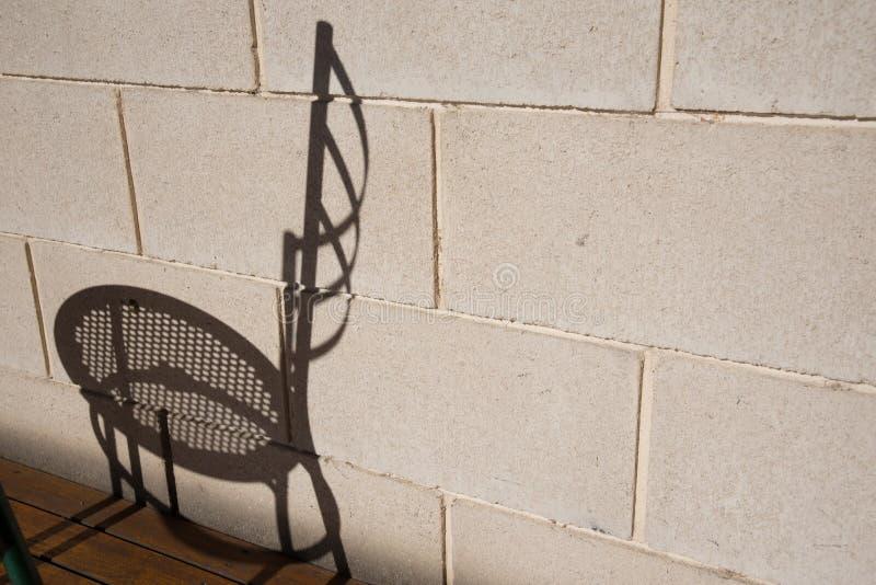 Schatten des Stuhls stockbild