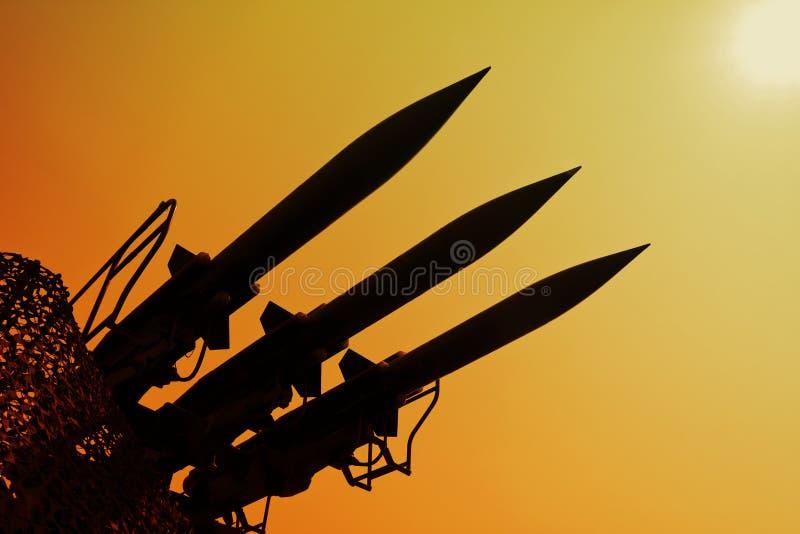 Schattenbild der Raketen lizenzfreie stockbilder