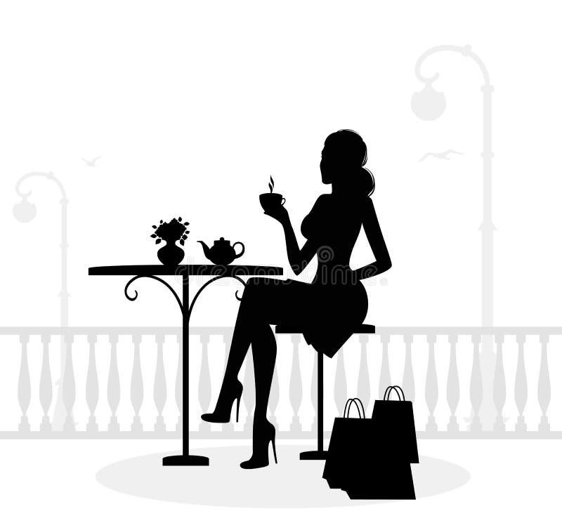 Schattenbild der schönen Frau im Kaffee stock abbildung