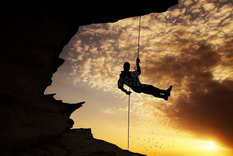 Schattenbild des Kletterers stockfotografie