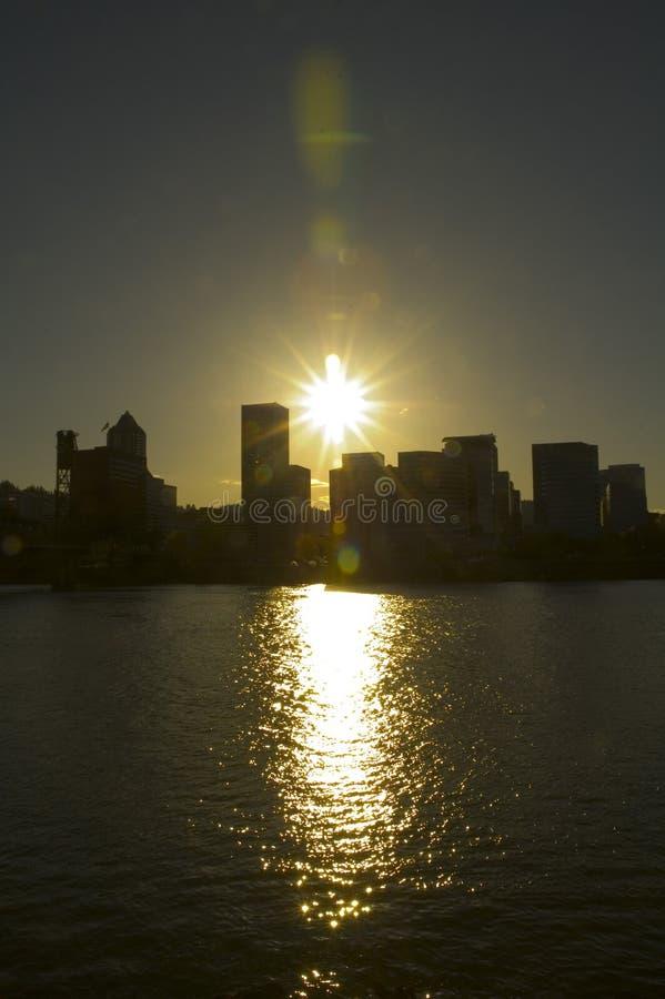 Schattenbild einer Stadt lizenzfreies stockbild
