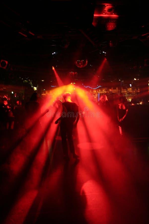 Schattenbild eines Tanzenmannes lizenzfreies stockbild